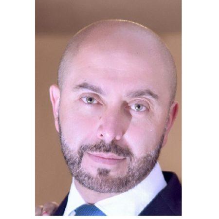 Dr. Byron Hernán Salazar Abad