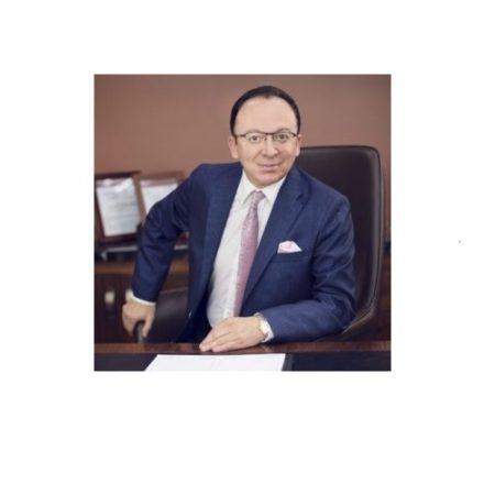 Dr. Marco Ochoa V.