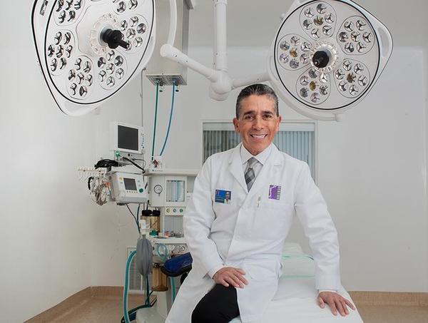 Invitación a la Jornada Científica dictada por el Dr. Eduardo Gongora